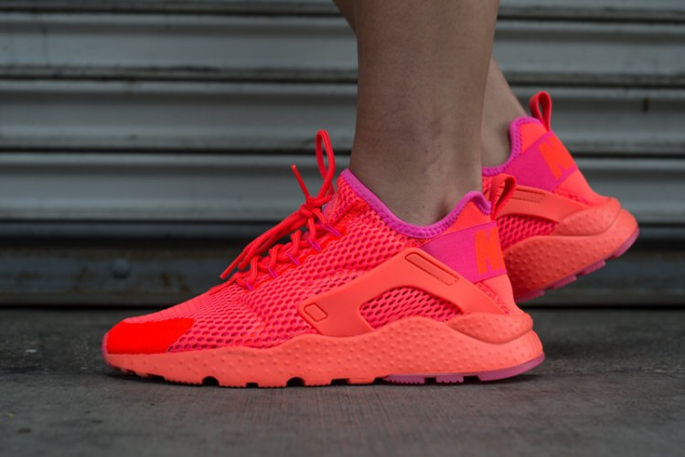 "Nike Air Huarache Ultra ""Total Crimson"" On-Foot Look"