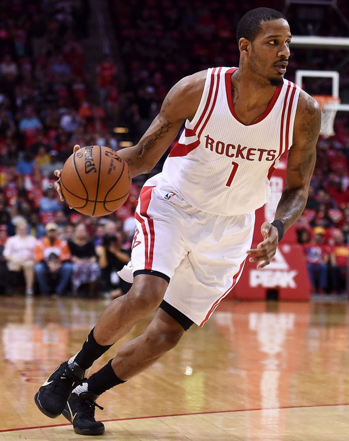 HOUSTON, TEXAS - APRIL 13:  Trevor Ariza #1 of the Houston Rockets drives to the basket during the first half of a game against the Sacramento Kings at the Toyota Center on April 13, 2016 in Houston, Texas. NOTE TO USER: User expressly acknowledges and agrees that, by downloading and or using this photograph, User is consenting to the terms and conditions of the Getty Images License Agreement.  (Photo by Stacy Revere/Getty Images)