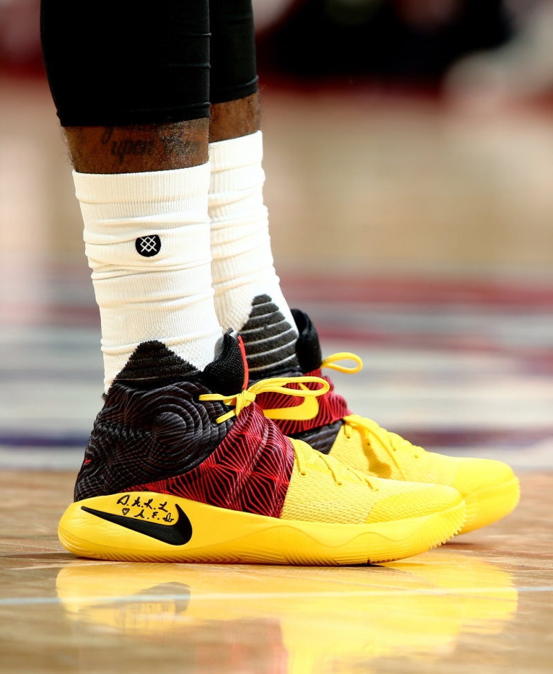 45488b67c04 60%OFF The Cleveland Cavaliers Playoff Kicks On Court Kyrie Irving — Nike  ...