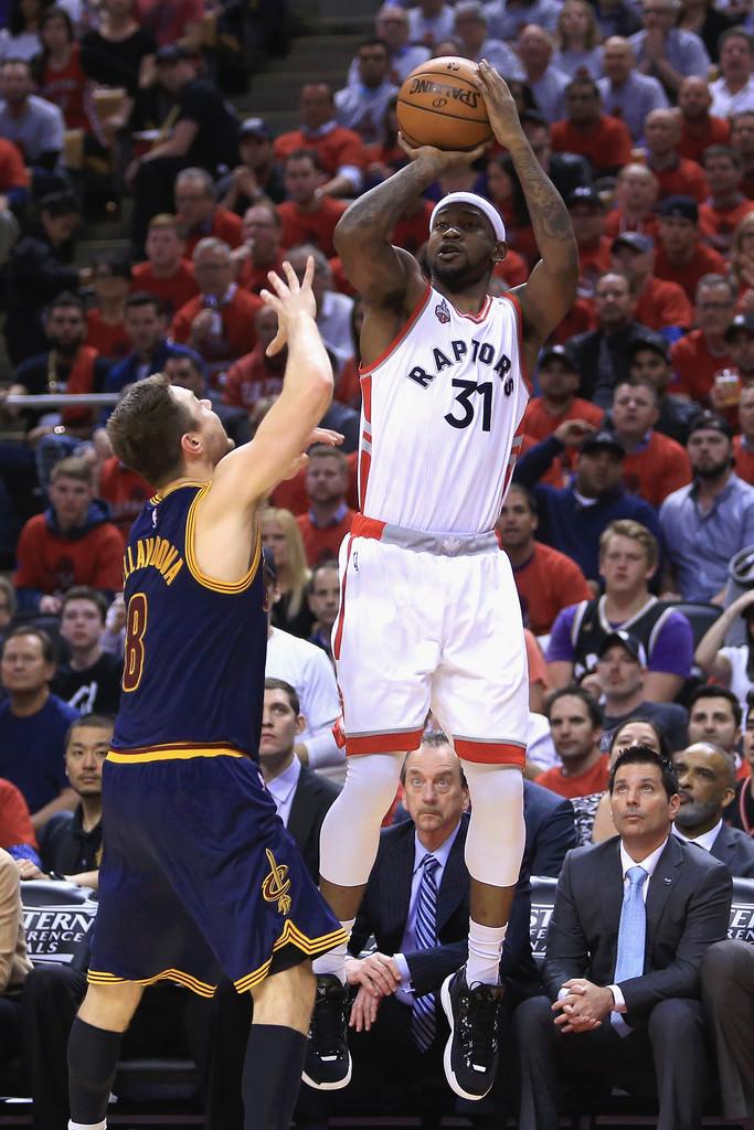 Cleveland+Cavaliers+v+Toronto+Raptors+Game+QpFqYTwTyTsx