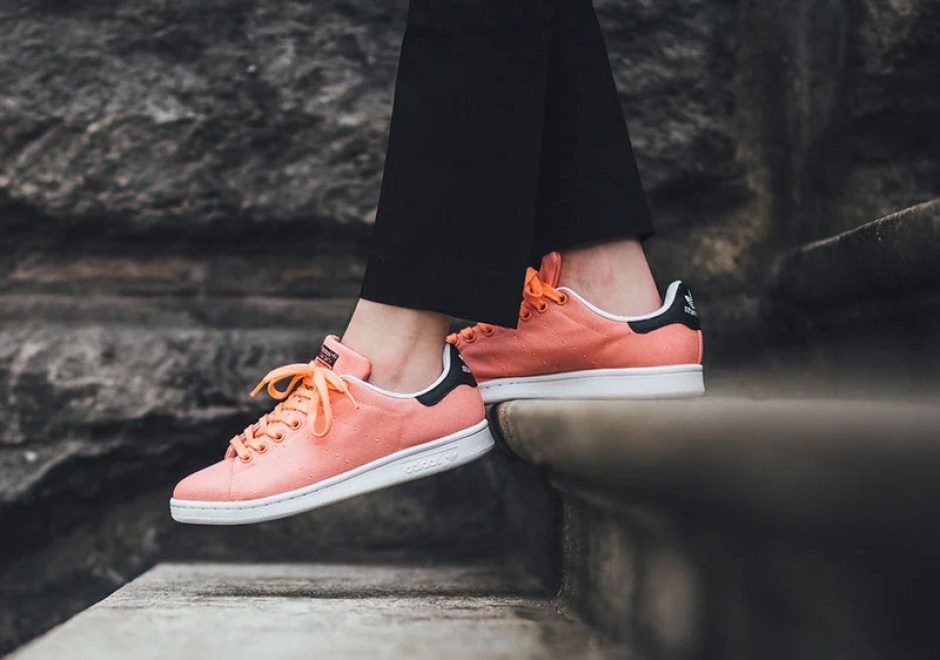 online store 82623 340d4 adidas Stan Smith Canvas Salmon
