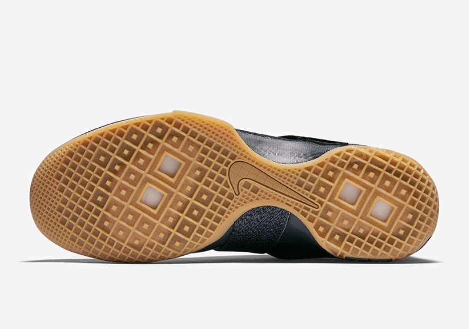 de2b9c8159a6 ... Nike LeBron Soldier 10 Strive For Greatness