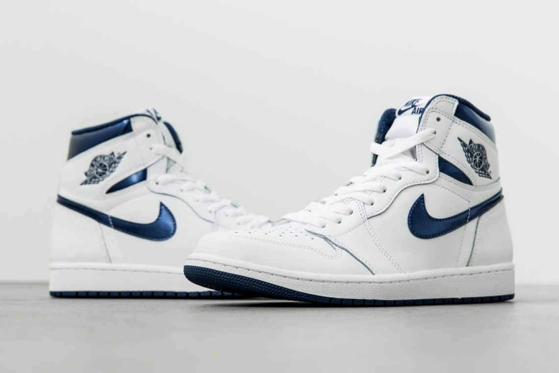 new product 4b928 05ffb Air Jordan 1 High Metallic Navy Air Jordan 1 High Metallic Navy