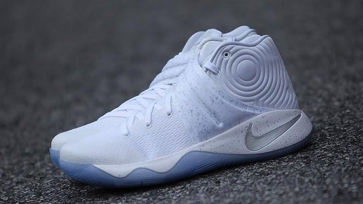 """buy popular 4c919 25681 Nike Kyrie 2 """"White Speckle""""    First Look"""