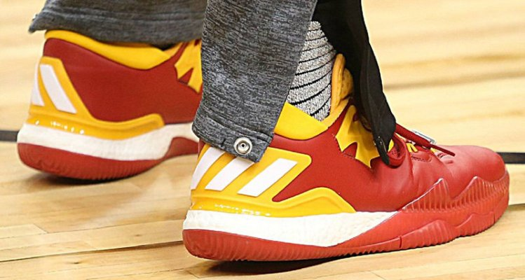 best service 574d3 69371 adidas Crazylight Boost 2016. 3 posts. James Harden Shows Love to China  with New Crazylight PE  Kicks On Court