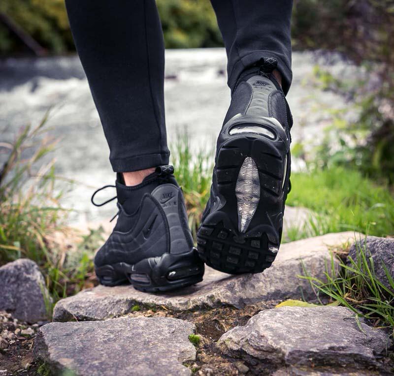 air max 95 sneakerboot on feet