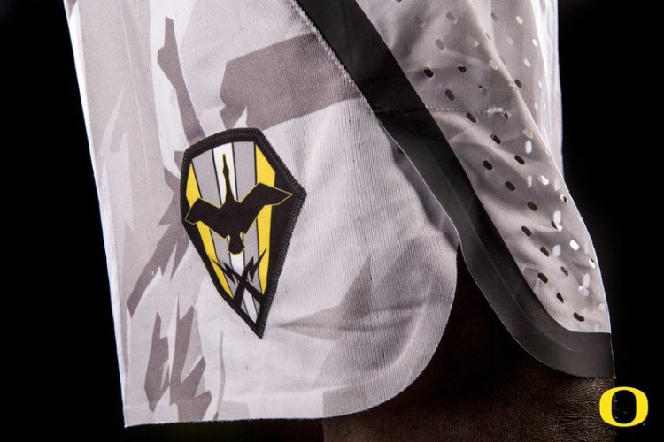 "Nike Oregon ""Veterans Day"" Uniforms"
