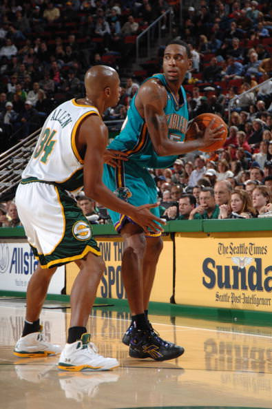 SEATTLE - DECEMBER 26: Rasual Butler #45 of the New Orleans/Oklahoma City Hornets looks to make a move against Ray Allen #34 of the Seattle SuperSonics at Key Arena on December 26, 2006 in Seattle, Washington. The Sonics won 102-94. NOTE TO USER: User expressly acknowledges and agrees that, by downloading and/or using this Photograph, user is consenting to the terms and conditions of the Getty Images License Agreement. Mandatory Copyright Notice: Copyright 2006 NBAE (Photo by Terrence Vaccaro/NBAE via Getty Images)