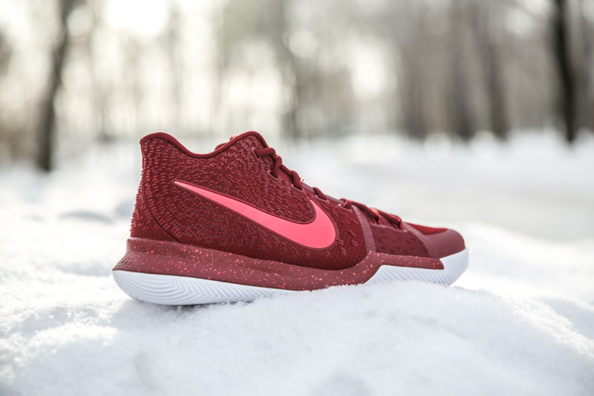 "Nike Kyrie 3 ""Hot Punch"""