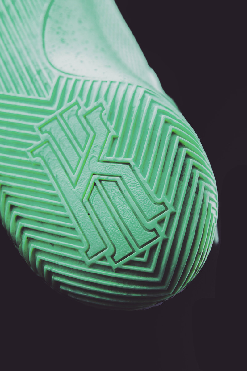 9a2154f0fd1e reduced kyrie 2 green umbrella cc8fe c9ecc
