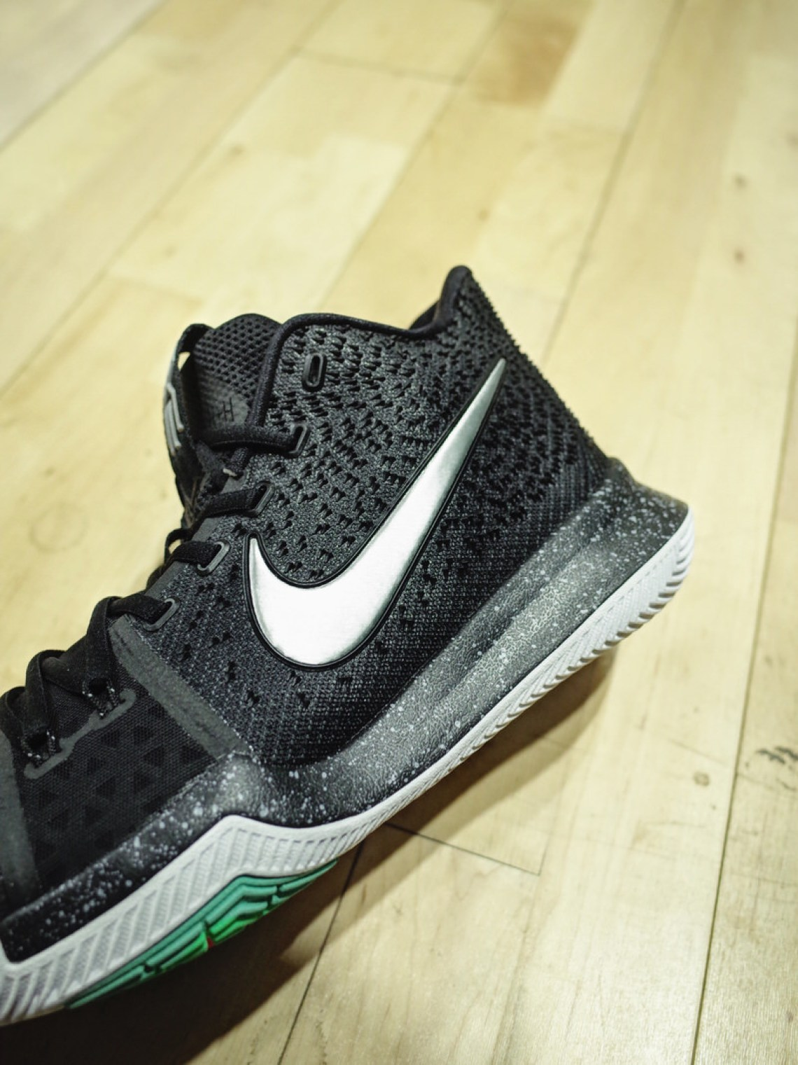 super popular f0ef5 08d50 ... Nike Kyrie 3