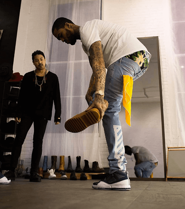 "Dave East in the Air Jordan 16 ""Midnight Navy"""