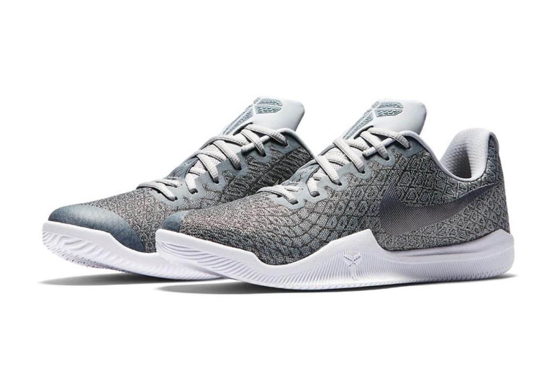 b7ee8c41964 Nike Kobe Mambas Nike Kobe Zoom 3 Sneaker