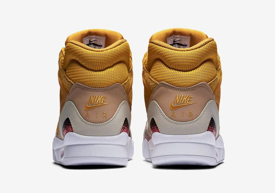 "Nike Air Tech Challenge II SE ""Gold Dart"""