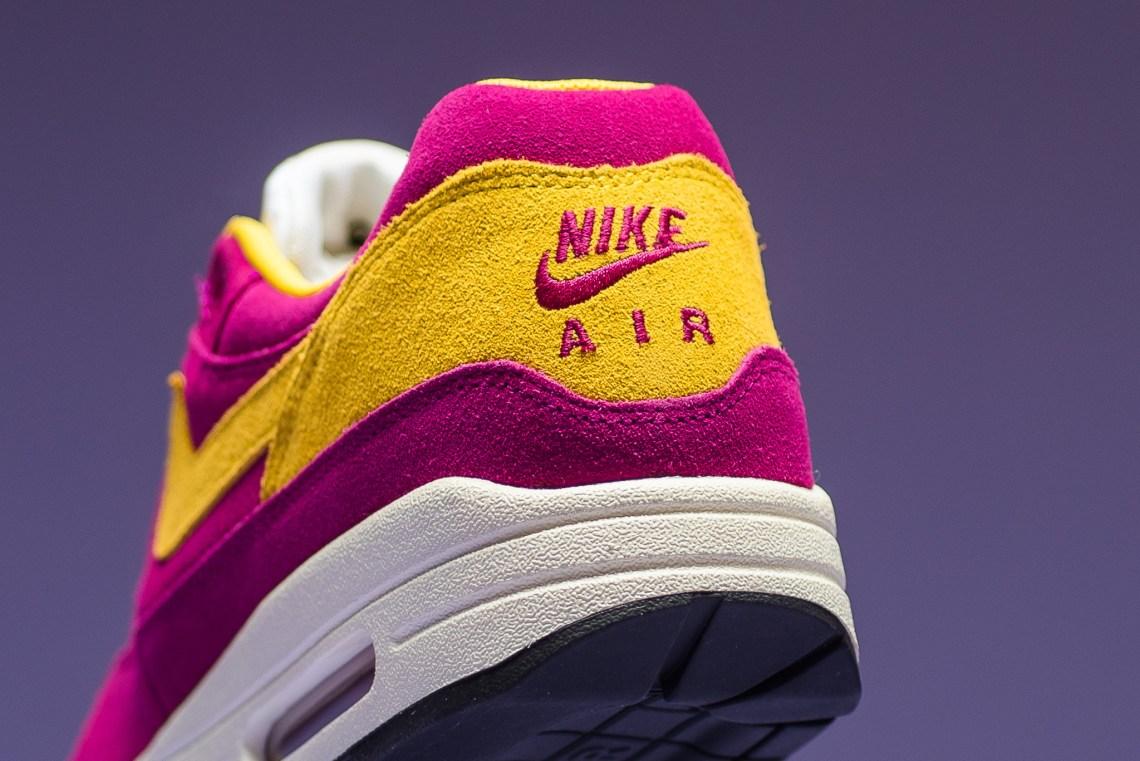 0e9543bc6a Nike Air Max 1 Premium