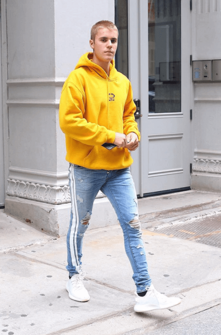... Justin Bieber in the Adidas Yeezy Boost 350 V2