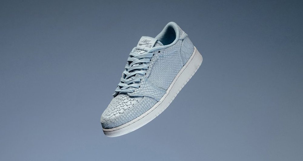 "Air Jordan 1 Low Swooshless GS ""Ice Blue"""