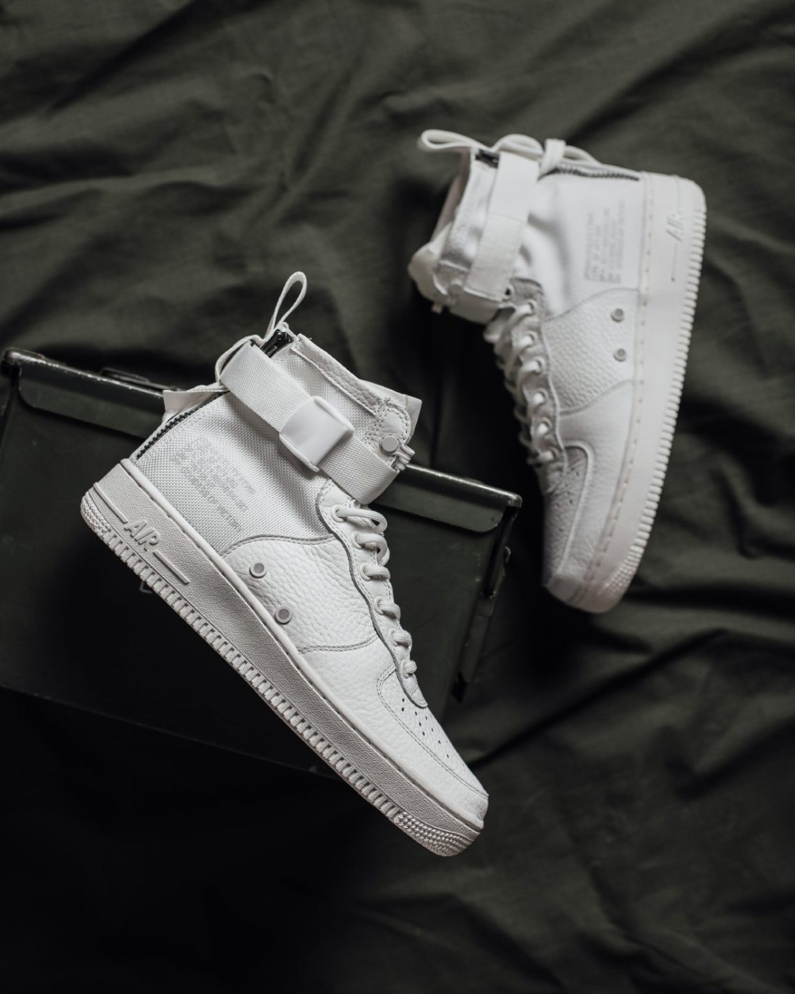 check out df468 5199f Nike SF Air Force 1 Mid