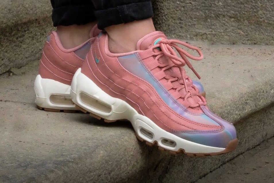online store 99a3b 530d9 Nike Air Max 95 Goes Pink and Shiny for Women s Exclusive