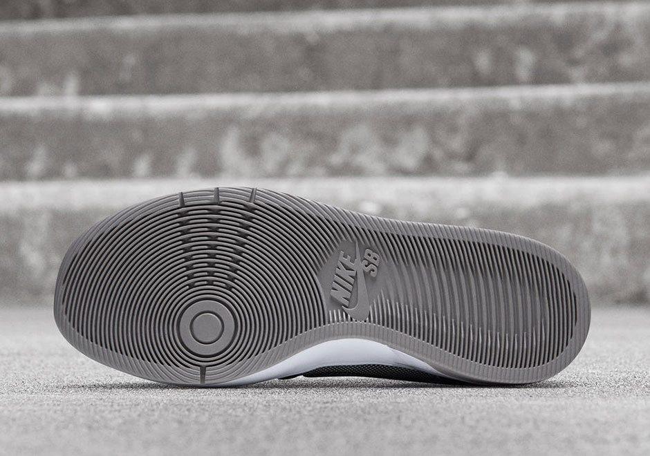 "best service 7dd72 af631 ... Medicom Toy x Nike SB Dunk Elite ""BERBRICK"" ..."