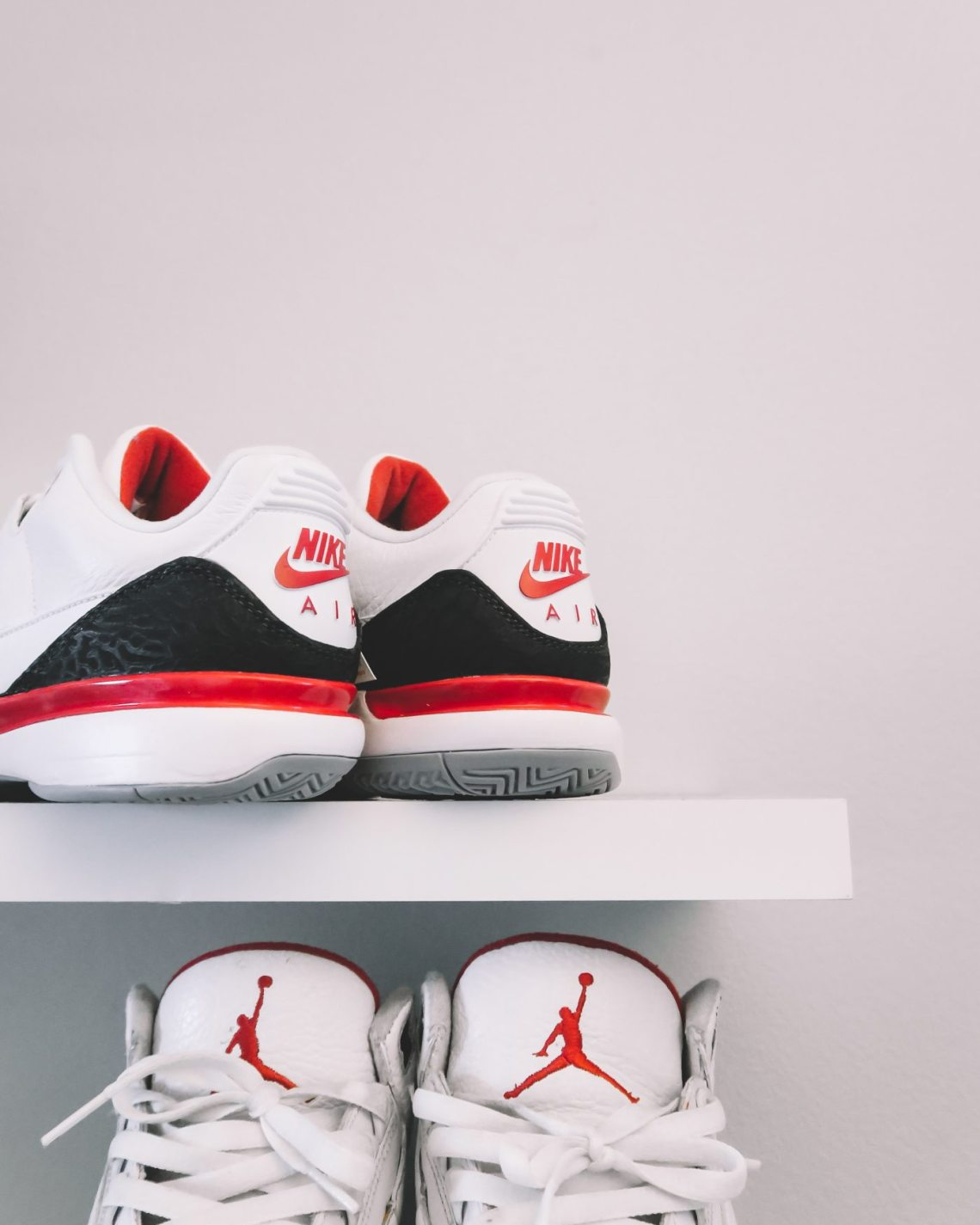 "Unboxing the Nike Zoom Vapor Tour RF x Air Jordan 3 ""Fire Red"""