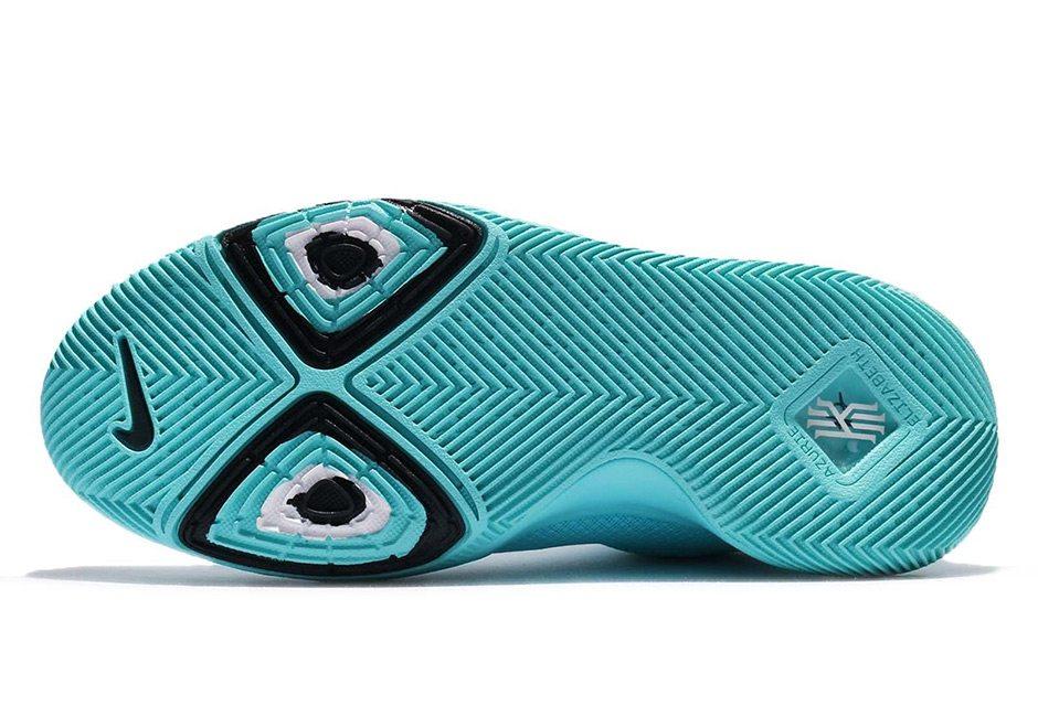 "Nike Kyrie 3 ""Tiffany"""