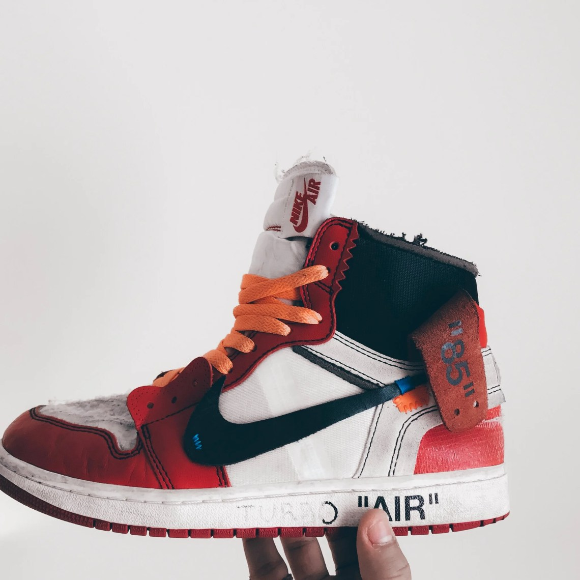 85c3310434df9 Here s What Beat Off-White Jordan 1 s Look Like
