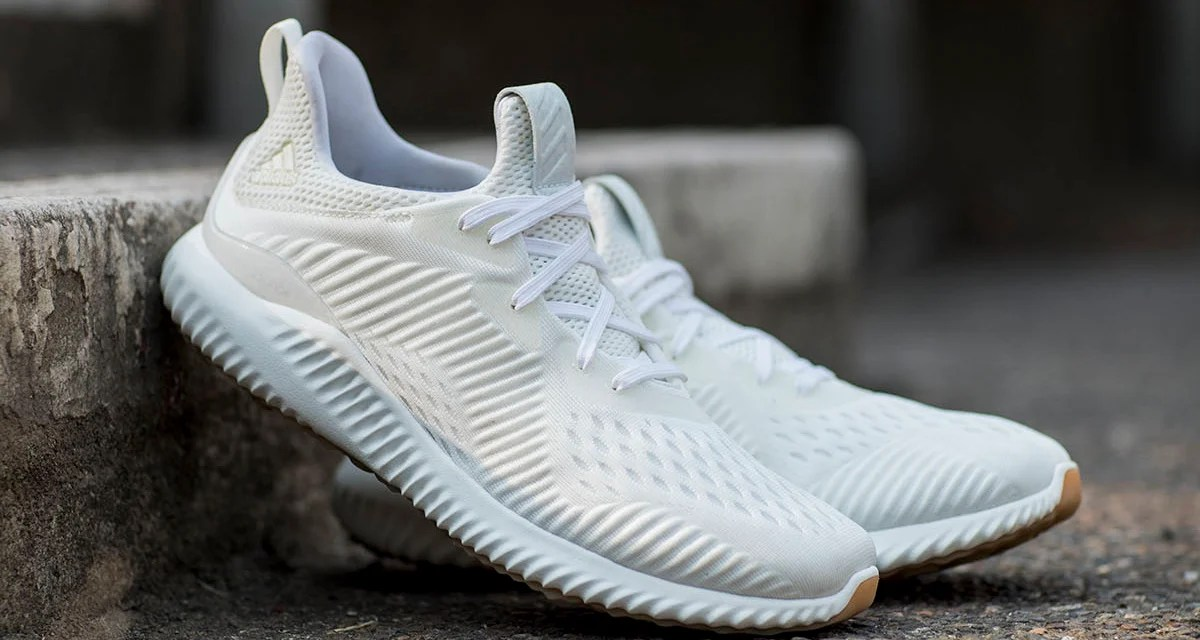 huge discount b7ef8 23b23 adidas AlphaBOUNCE Undye Shows the Silhouette in its Truest Form