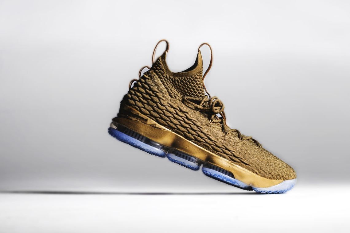 promo code 288b3 f090d LeBron James Debuts Gold Nike LeBron 15 Custom from The Shoe ...