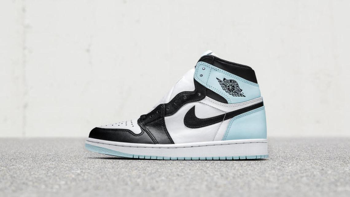"Air Jordan 1 ""Igloo"""