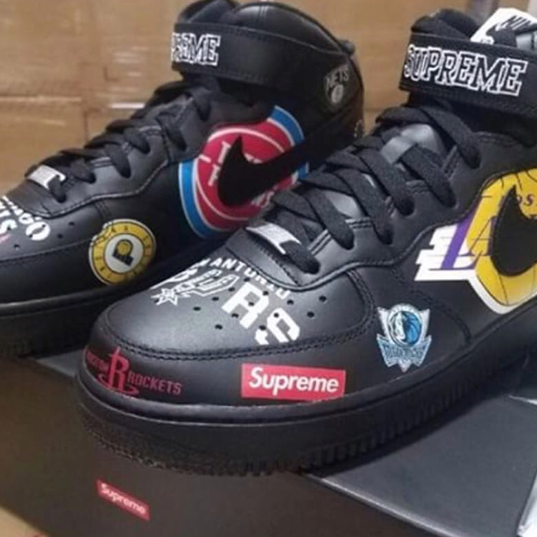 Supreme x Nike Air Force 1 Mid