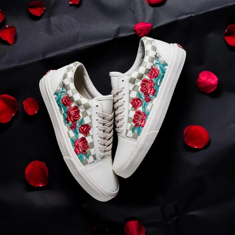 vans rose embroidered old skool dx
