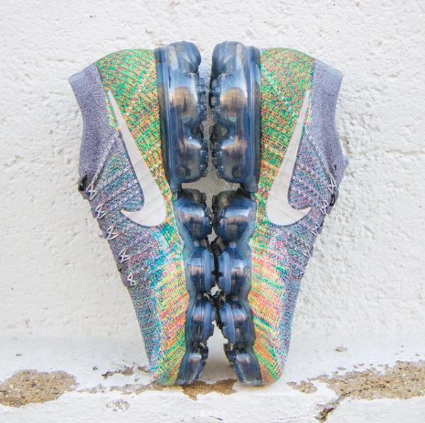 Nike Air VaporMax Dark Grey/Multicolor