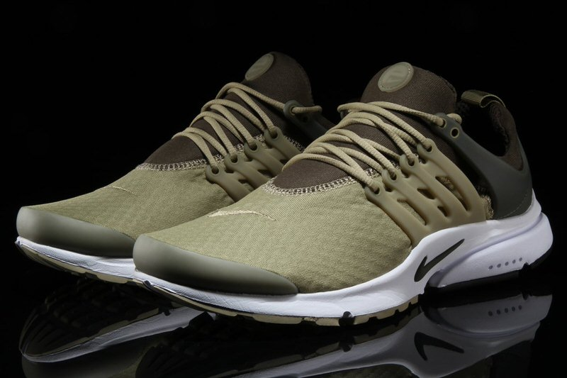 ... Nike Air Presto Essentials