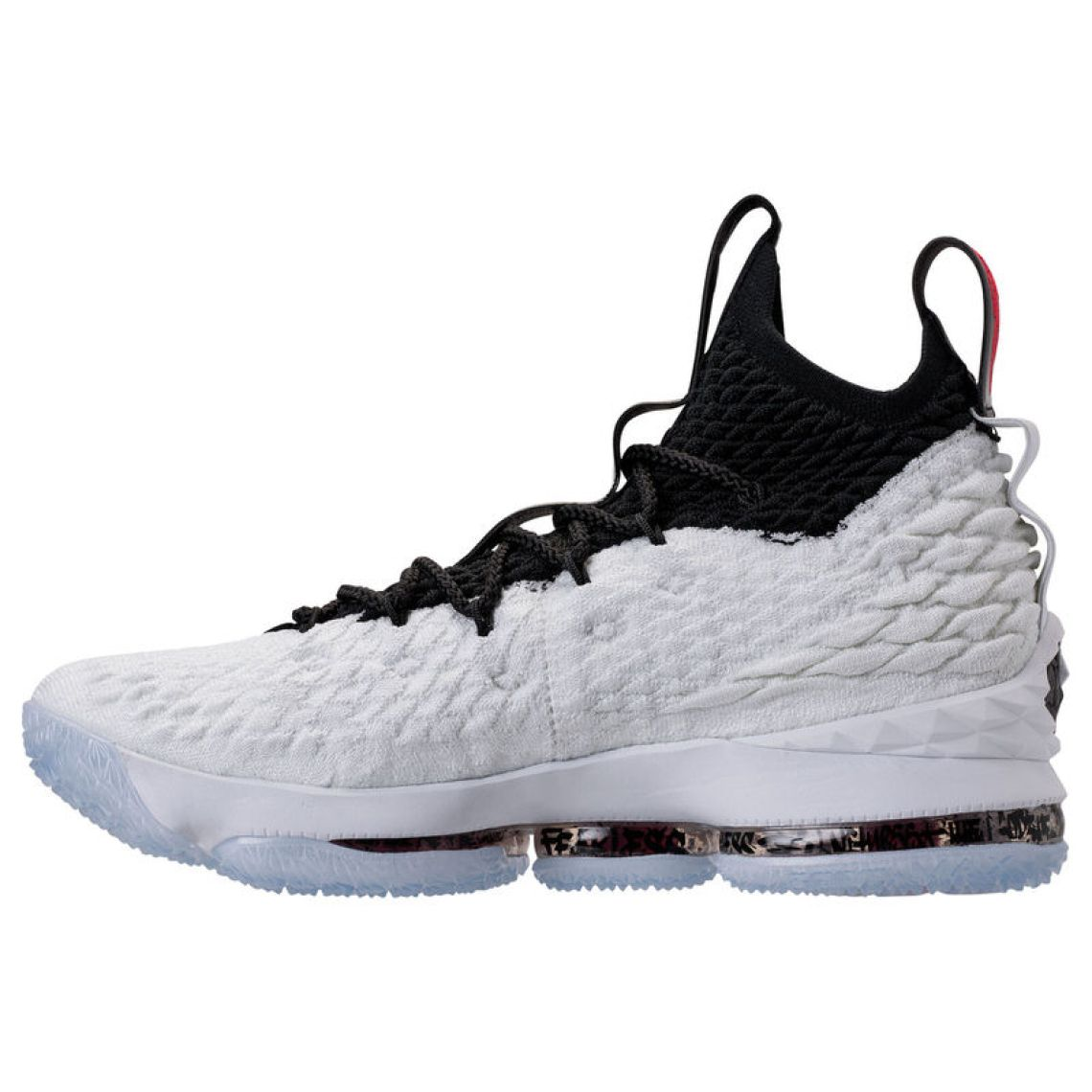 separation shoes 6fdbd 39ea7 Nike LeBron 15