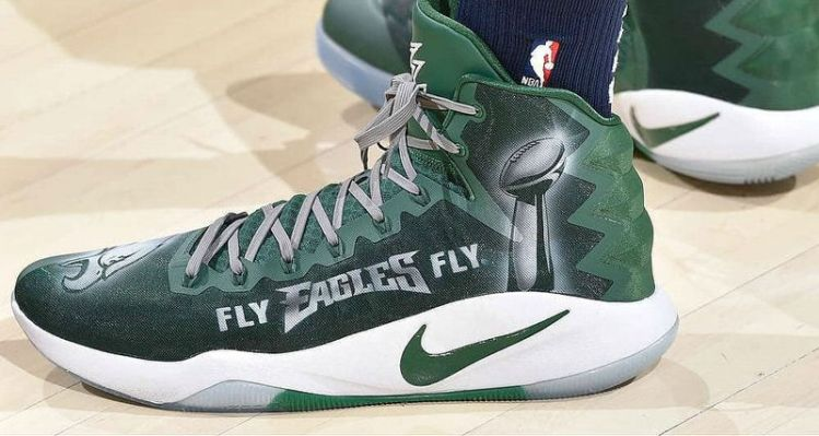 """best sneakers d204d 10eae ... Kickstradomis Makes """"Eagles"""" Nike Hyperdunk Custom for Karl-Anthony  Towns ..."""