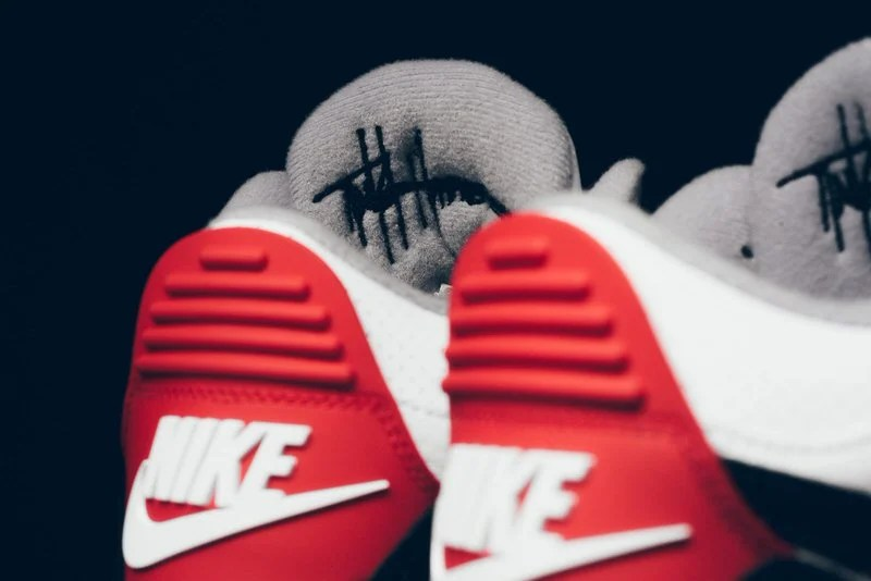 ... Air Jordan 3
