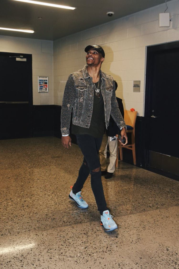 Russell Westbrook in the Nike PG2