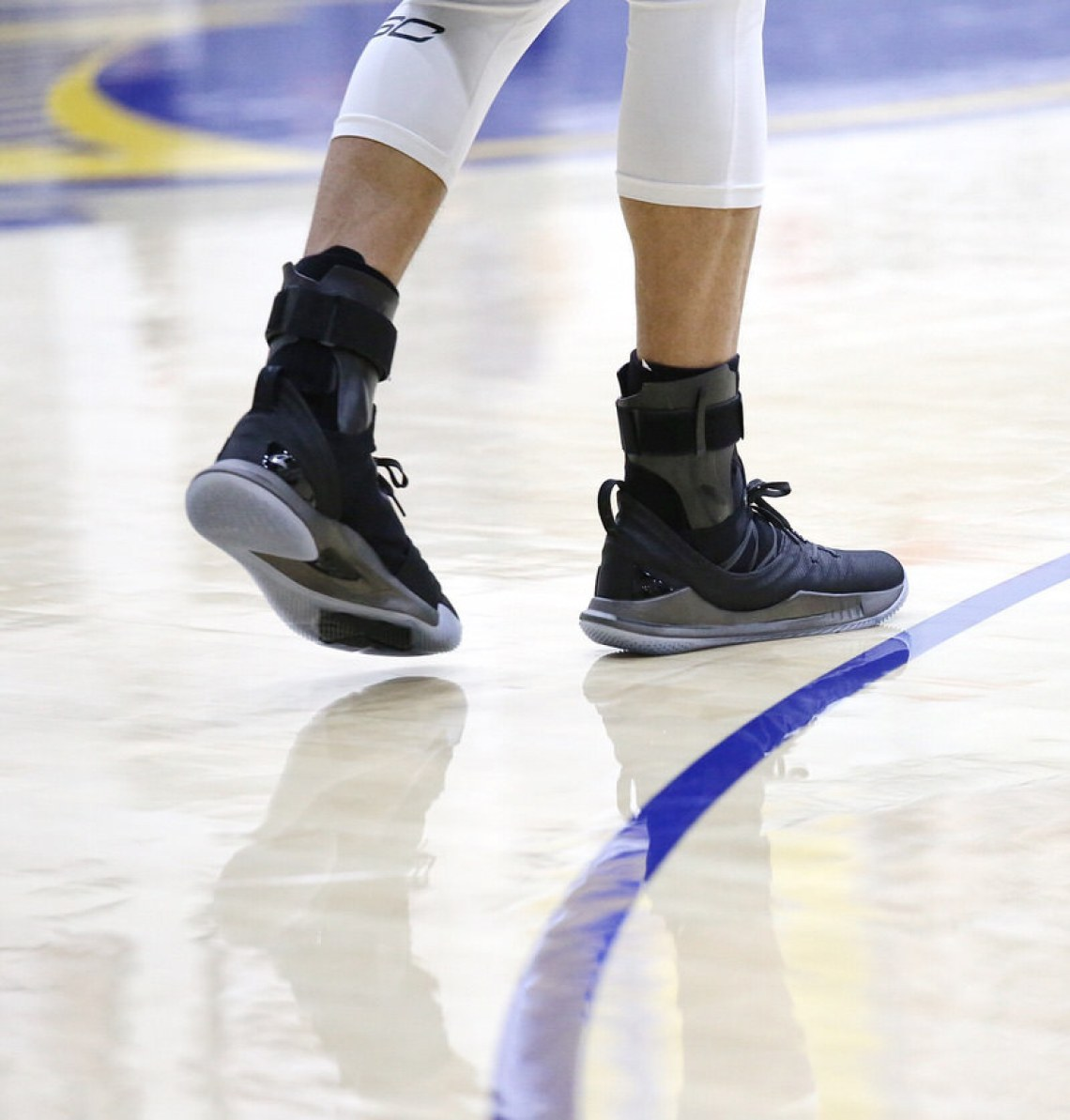 stephen curry in the new under armour curry 5 quotpi day