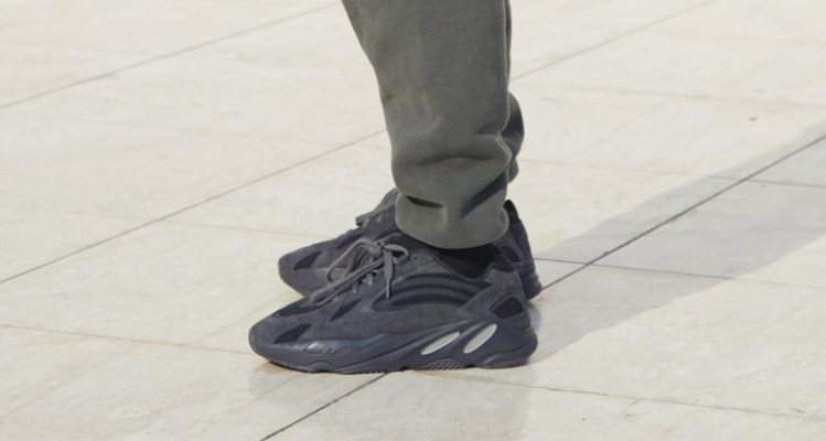 "newest e197d 153f7 Newly Tooled adidas Yeezy 700 in ""Utility Black"" Has Emerged"