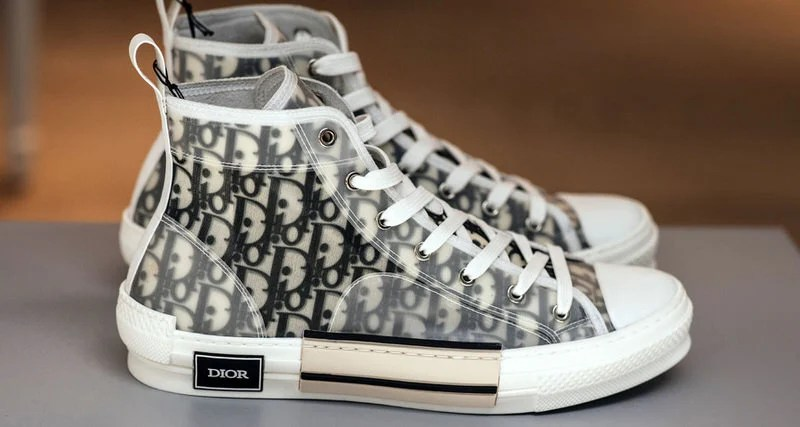 Celebrity high top trainers women
