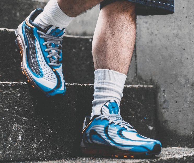 finest selection bc8d9 15bcf Nike Air Max Deluxe