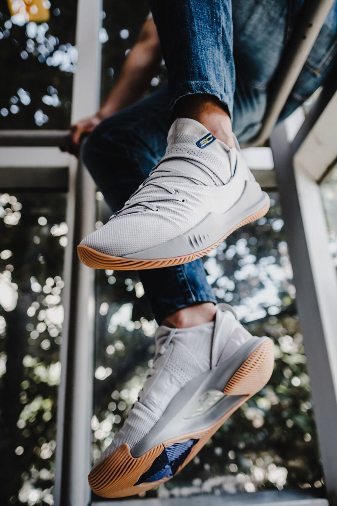 on foot look the under armour curry 5 in grey gum