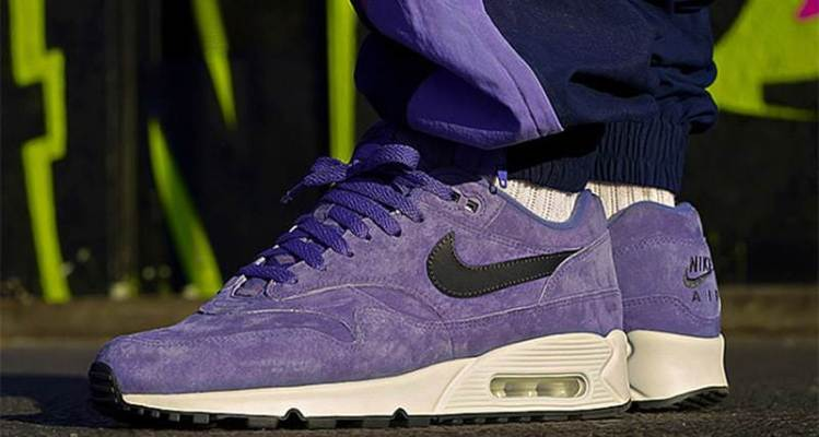 "Nike Air Max 90/1 Suede ""Court Purple"""