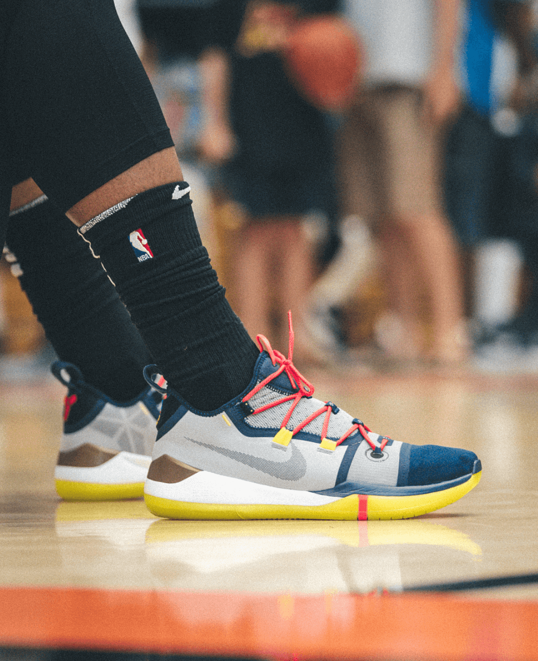 835f769e538e1 Today at the Drew League, DeRozan was seen wearing a pair of brand new Kobe  sneakers which is rumored to be the latest Kobe AD model.