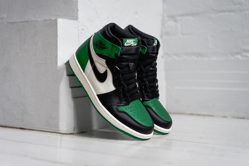new style a6792 252cd https 2F2Fhypebeast.com2Fimage2F20182F092Fnike-air-jordan -1-pine-green-exclusive-look-6.jpg