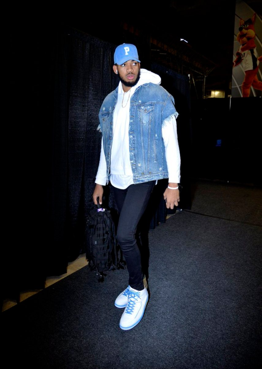 Karl Anthony Towns in the Air Jordan 2 Retro 'Melo'