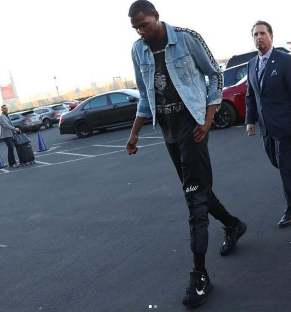 Kevin Durant in the Off White x Nike Air Presto 'Black'
