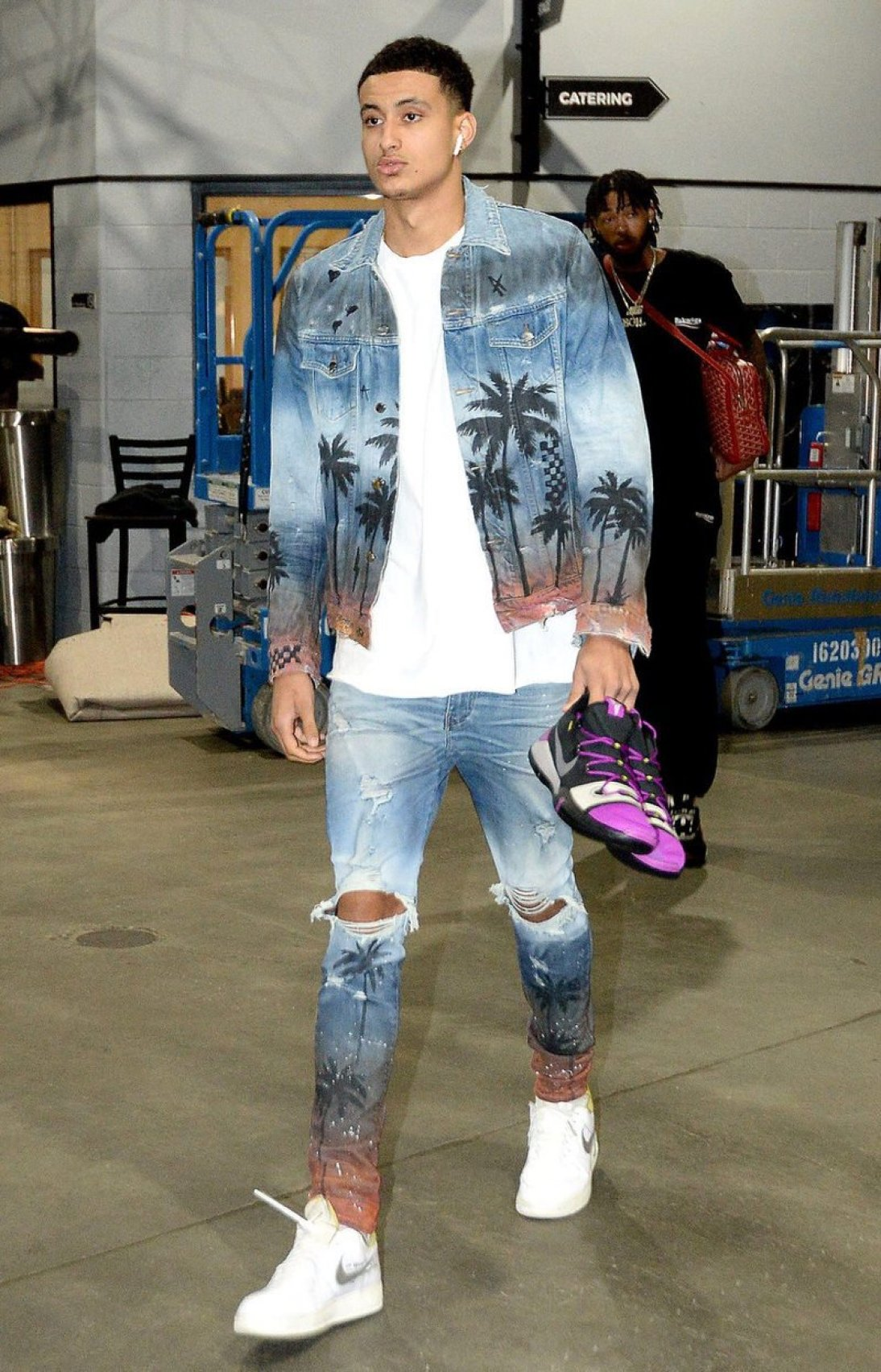 cb43d510370697 Kyle Kuzma in the Off-White x Nike Air Force 1 Low and the Nike Kobe A.D.  in-hand ...