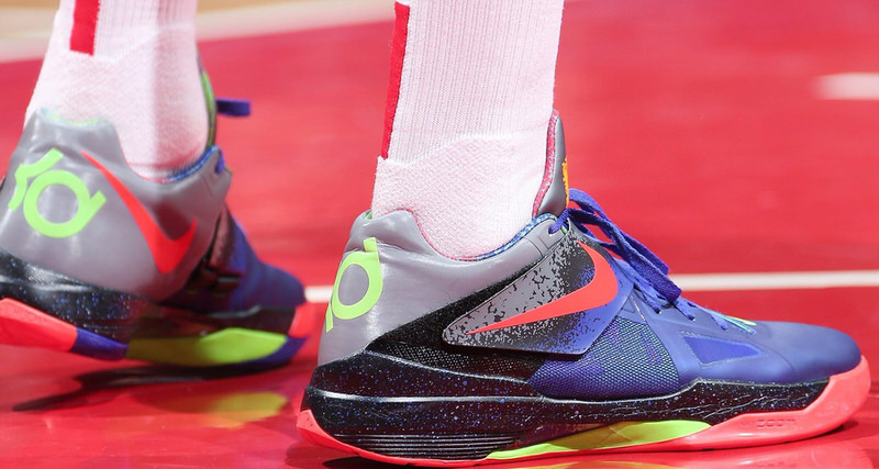 2359894ac704 The Top 10 Kicks On Court From This Week
